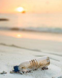 bouteille plastique plage